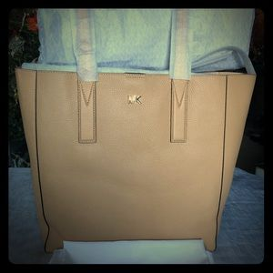 JUNIE LARGE TOTE LEATHER BUTTERNUT BAG
